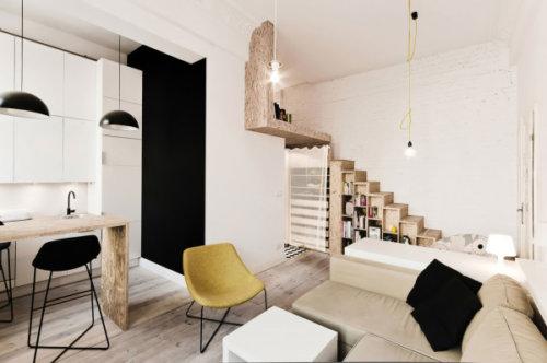 На очень интересной, имеющей необычные формы мебели