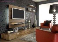 Лучшее место для телевизора – стенка, дополнительная тумба под ним отнимает пространство и несет минимум пользы.