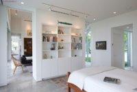 Дизайн-студия однокомнатной квартиры, переделанной из сталинки.