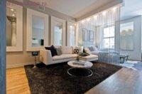 Классический вариант в квартире с высокими потолками.