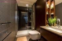 Квартира студия, интерьер в ванной комнате