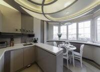 Одна большая кухонная зона