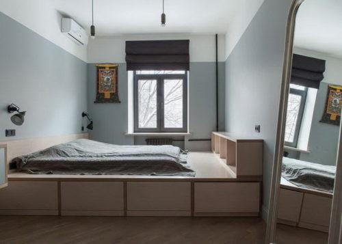 Дизайн в хрущевке, спальня с кроватью-подиумом